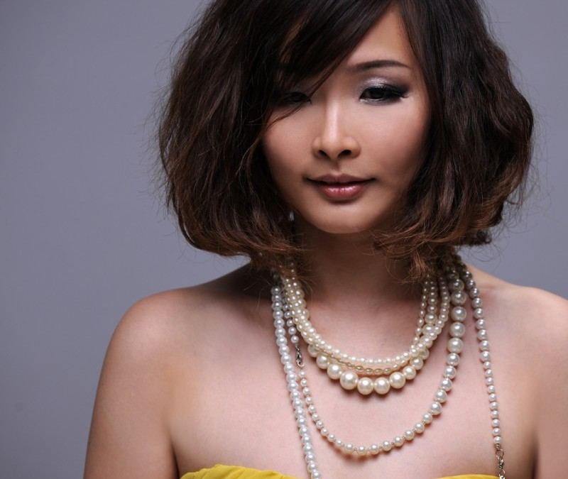 One of Malaysia's Top Singer Winnie Ho Visited Premier Clinic